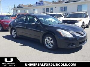 2010 Nissan Altima 2.5 S  - Bluetooth -  keyless entry