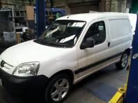 Peugeot Partner 1.9d plus Ford ka 1.6 16v Sport