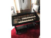 Kuwai SR4 electronic organ