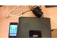 Ipod Touch 4th Gen 8Gb with Gear 4 Speakers Dock and Charger