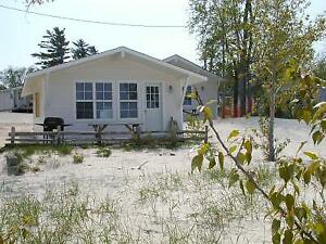 WASAGA BEACH COTTAGE RENTALS - BOOK YOUR PROM COTTAGE