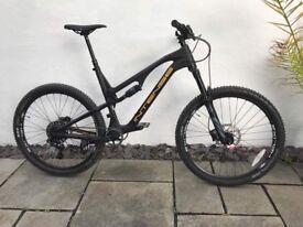 Intense spider 275c foundation build mountain bike brand new size L black carbon fibre