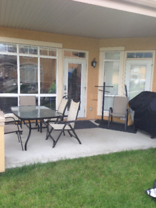 3 Bedroom lake front ground level Condo!!!!  Sept 2 - June 30