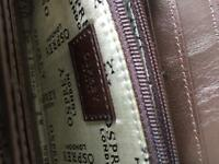 Osprey of London new brown ladies purse . Place for credit cards zipper for coins.