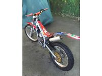Beta 80cc medium wheels trials bike