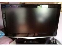 """SAMSUNG 32"""" HD LCD TV/FREEVIEW BUILT IN"""