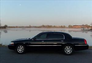 2009 Lincoln Town Car Signature Limited Sedan with Propane