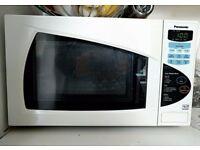 900watt Panasonic Microwave with chaos mode