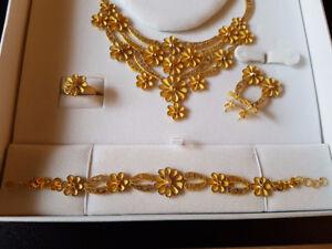Arabian 21k 81g Gold Jewelry Set (New, Limited Edition) - $5900