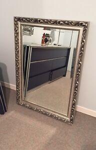 Grand miroir contour argenté brossé