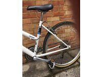 "Ladies/Childs white Bike - 25"" wheels"