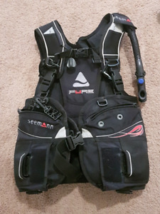 Women's Scuba Diving BCD -  Small - integrated weights
