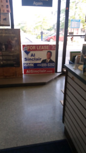 Commercial Space for lease in extremely busy plaza