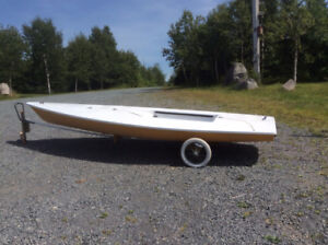 laser sail boat in good condition