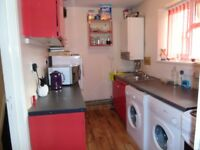 Fully furnished 1 bedroom g/floor flat on Dallow Rd Luton close to links £650pcm LU1 1TH