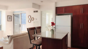 Very Bright Corner Unit Tridel Condo In Square One