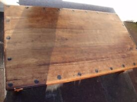 Solid wood large coffe table