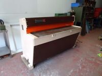 EDWARDS PEARSON 1500mm x 2mm DD GUILLOTINE