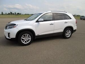2014 Kia Sorento 2.4L I-4 AWD Cloth Seats, Heated Seats, CD, Bl