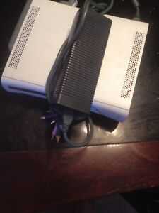 Xbox 360 with cords 60 gb hard drive