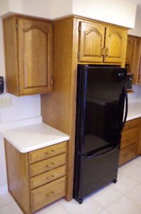 Solid Oak Kitchen Cabinets and Countertop