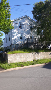 3 Bedroom, 2 baths, off street parking (x2), Laundry Included