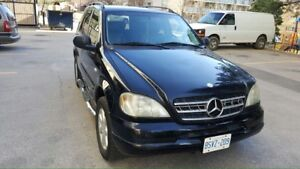 Mercedes Benz SUV  $ 2800