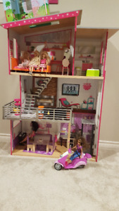 Doll House and Barbie
