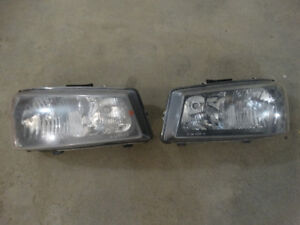 Headlights for 03-07 Chevy Avalanche or 1500 Pickup