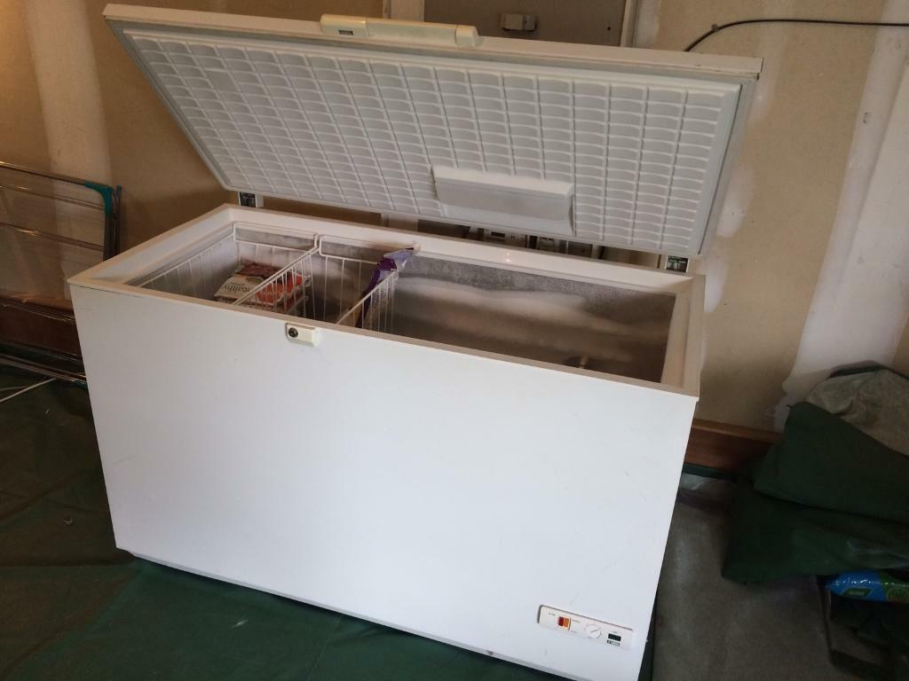 Chest freezer frigidaire