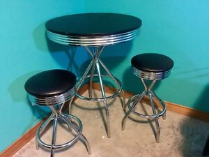 Bar Height Bistro Table & Stool Set (retro look) -Sold PPU