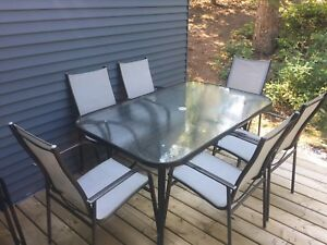 Table and 6 Chairs $70 OBO