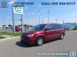 2011 Chrysler Town  Country TOURING  -  Power Tailgate -  Sirius