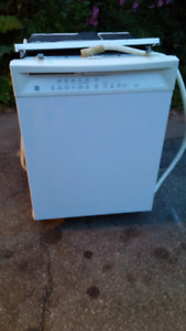 General electric white dish washer