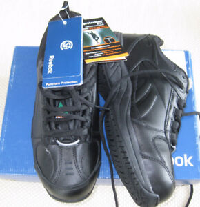 MEN'S REEBOK SAFETY SHOES, SIZE 7, NEVER WORN. IN BOX