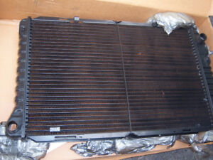 Radiateur Ford LTD, Country Squire, Colony Park et Grand Marquis