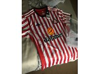 Sunderland shirt brand new with tags 2017/18 season XL but small fitting so it's like a large