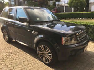 2013 Range Rover Sport HSE Luxry fully loaded