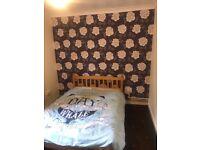 3 | 4 Bedroom Flat | Located in Poplar