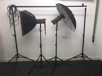 Bowens esptit gm250 softbox umberellas wheeled case and all leads immaculate