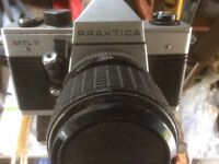 Prakteca. M T L 5 camera