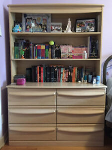 Combination commode/étagère / Dresser/bookshelf combination