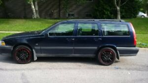 2000 Volvo V70 xc Wagon for sale