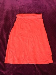 Ladies Small Gap Skirt