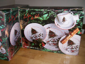 Dish set Christmas design     *** 2 sets available ***