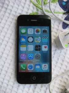 iPhone 4S - 16gb good condition and fully working