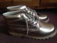 Kickers Womens size 8 Metallic Rose Gold Kick Hi Leather Boots RRP £130
