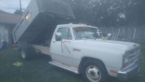1986 DODGE 350 WORK TRUCK  POWERED BY GAS