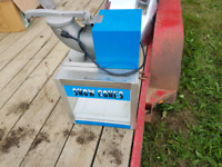 Hardly used Snow Cone Machine