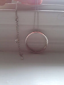 New Without Tag - Necklace